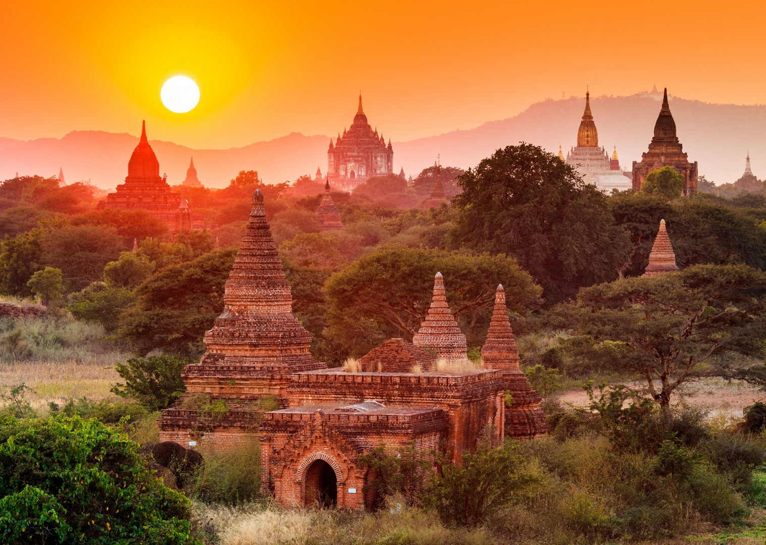 sunset-views-cycling-adventure-in-burma-bagan-myanmar.jpg - Myanmar (Burma) - Bagan and Beyond - Cycling Adventures