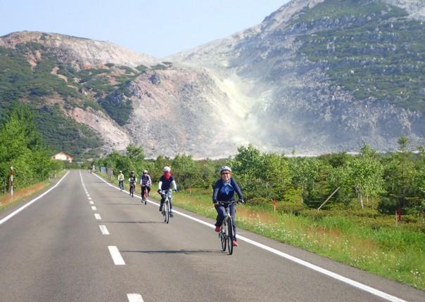 sulphur-mountain-japan-cycling-holiday-hokkaido.JPG
