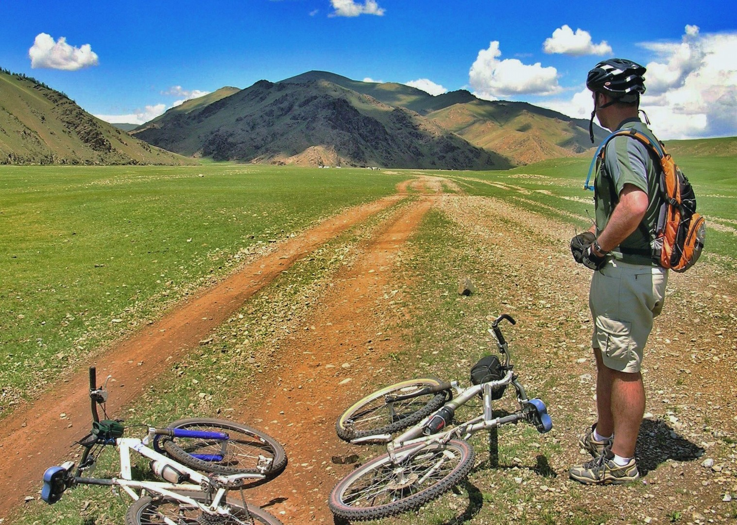 mongolia-cycling-holiday-erdenne-zhu-monastery.jpg - Mongolia - Route of the Nomads - Cycling Holiday - Cycling Adventures