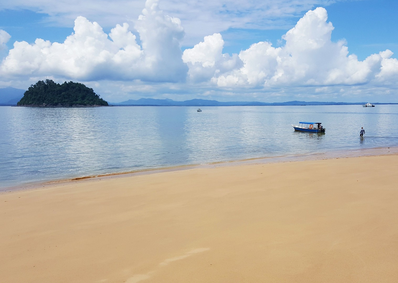 satang-island-borneo-adventure-bike.jpg - NEW! Borneo - Secret Sarawak - Cycling Adventures