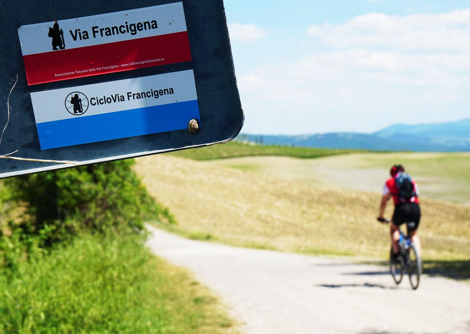 italy-via-francigena-tuscany-to-rome-self-guided-mountain-bike-holiday.jpg - Italy - Via Francigena (Tuscany to Rome) - Self-Guided Mountain Bike Holiday - Mountain Biking