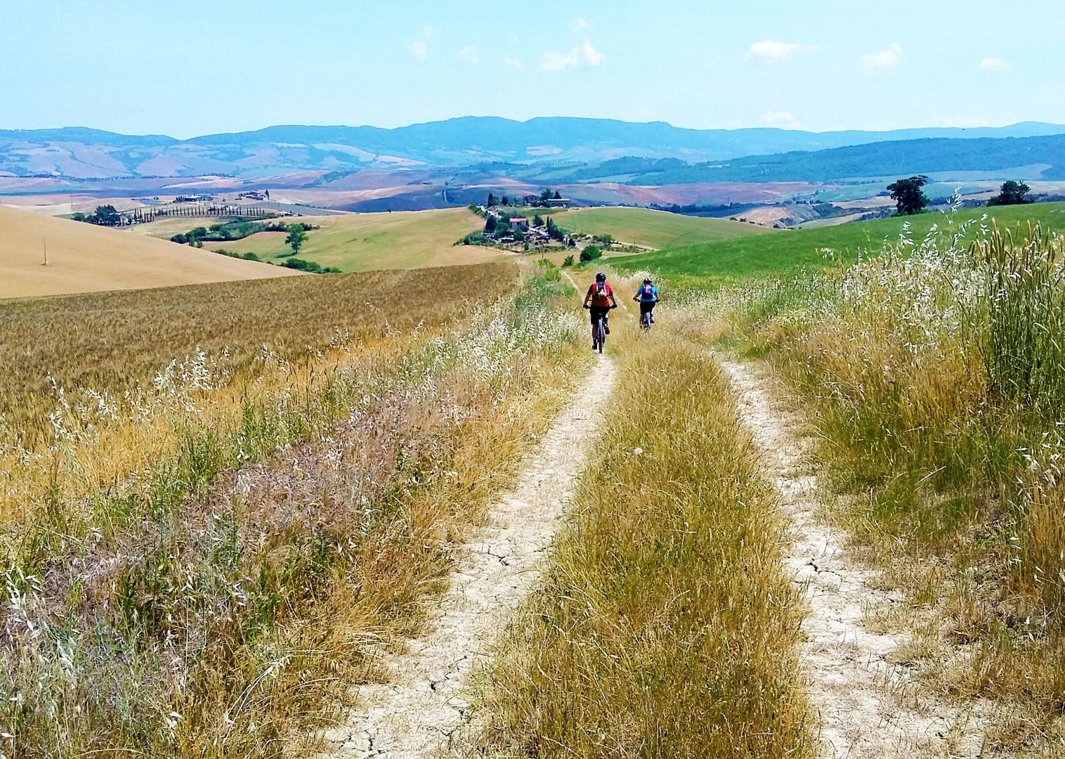 mountain-bike-holiday-saddle-skedaddle-self-guided-italy-trip.jpg - Italy - Via Francigena (Tuscany to Rome) - Self-Guided Mountain Bike Holiday - Mountain Biking