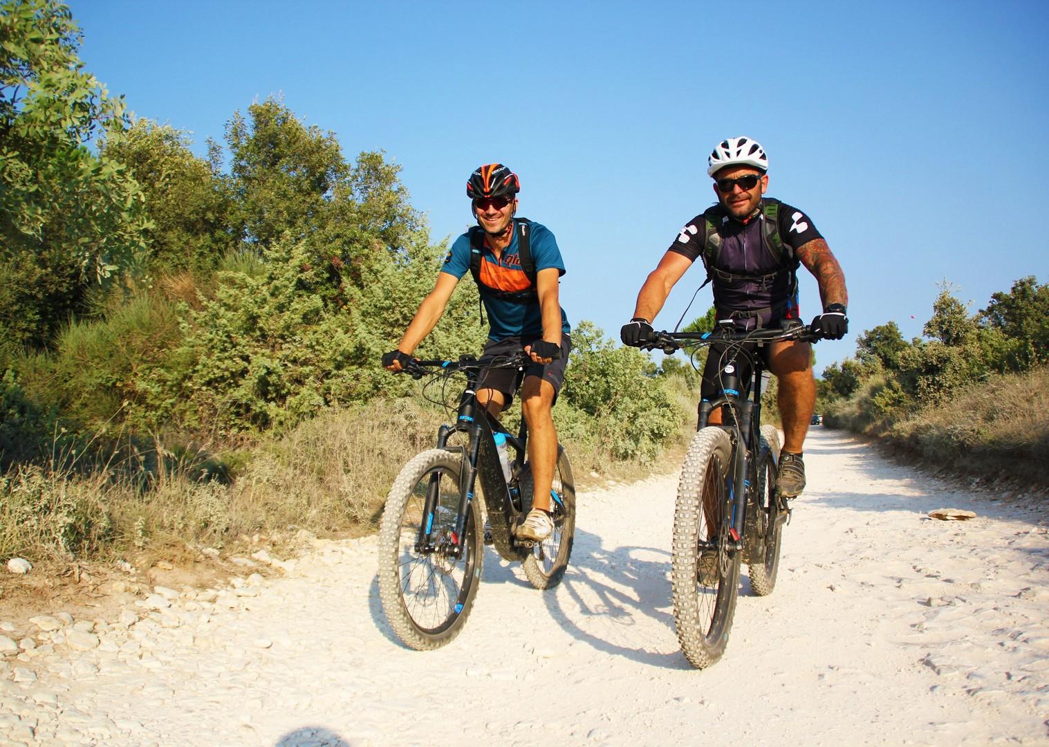 parenzana-saddle-skedaddle-electric-mountain-biking-holiday-croatia-terra-magica.jpg - NEW! Croatia - Terra Magica - eMTB - Mountain Biking