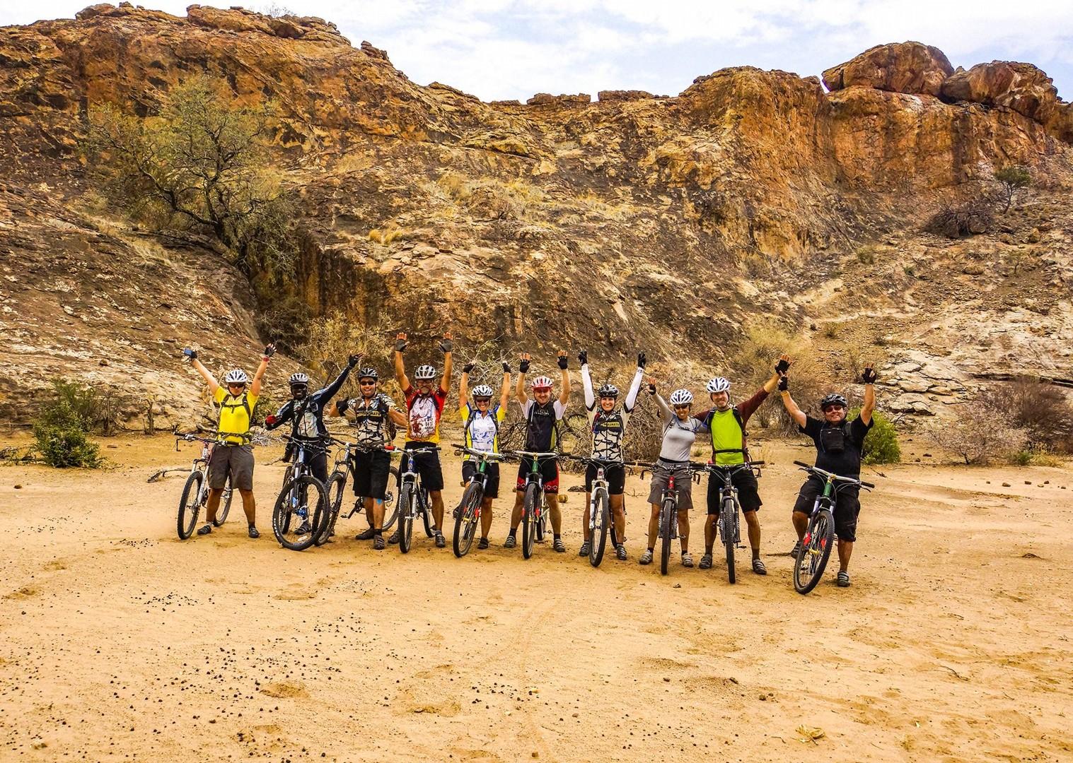 group-mountain-bike-ride-through-south-africa-botswana-skedaddle-holiday.jpg - NEW! South Africa and Botswana - Mountain Biking