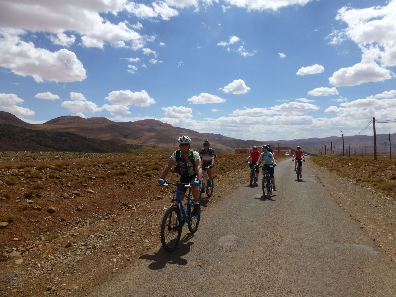 morocco desert discoverer25.jpg - Morocco - Atlas to Desert - Guided Mountain Bike Holiday - Mountain Biking