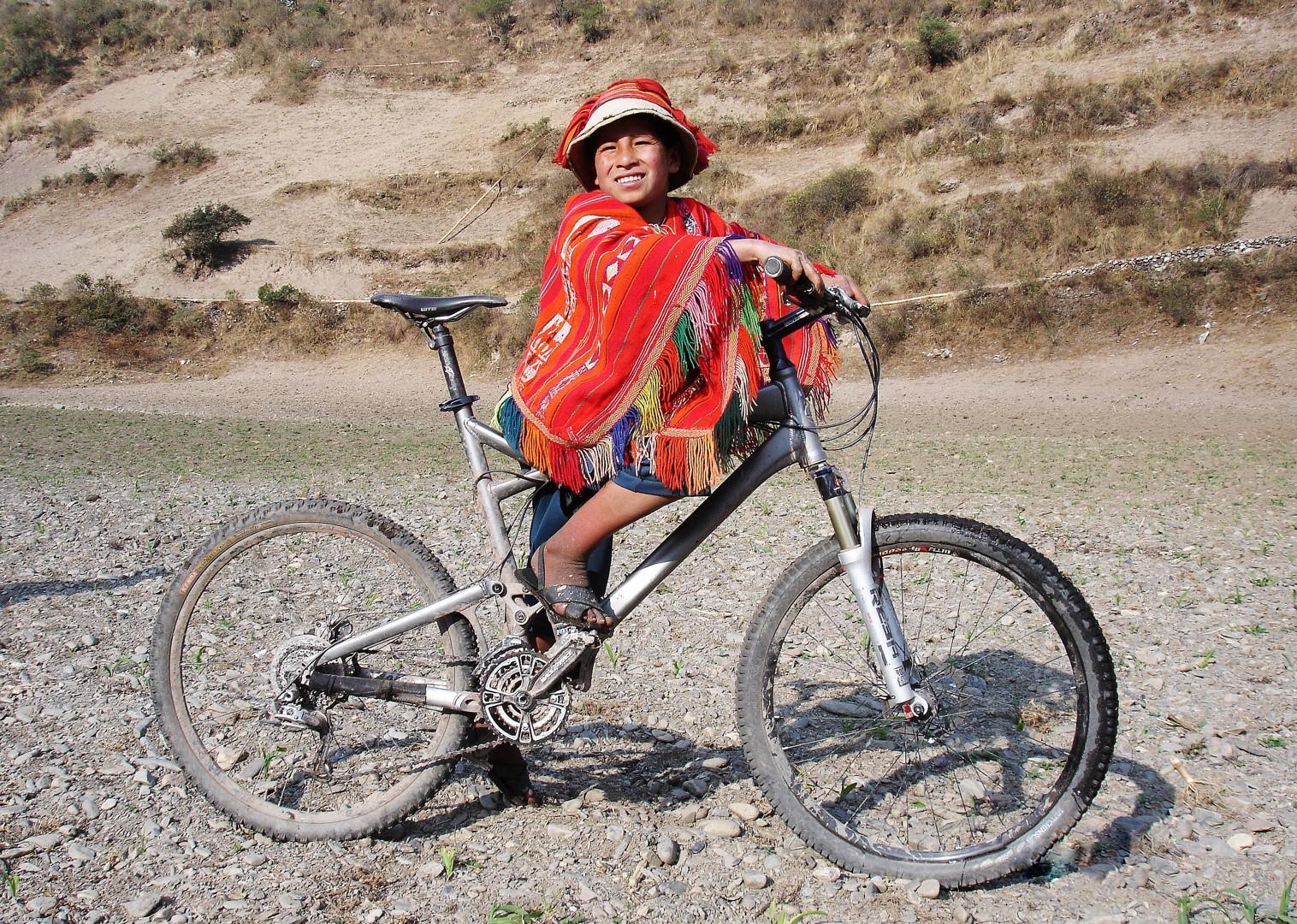 262a.jpg - Peru - Sacred Singletrack - Mountain Biking