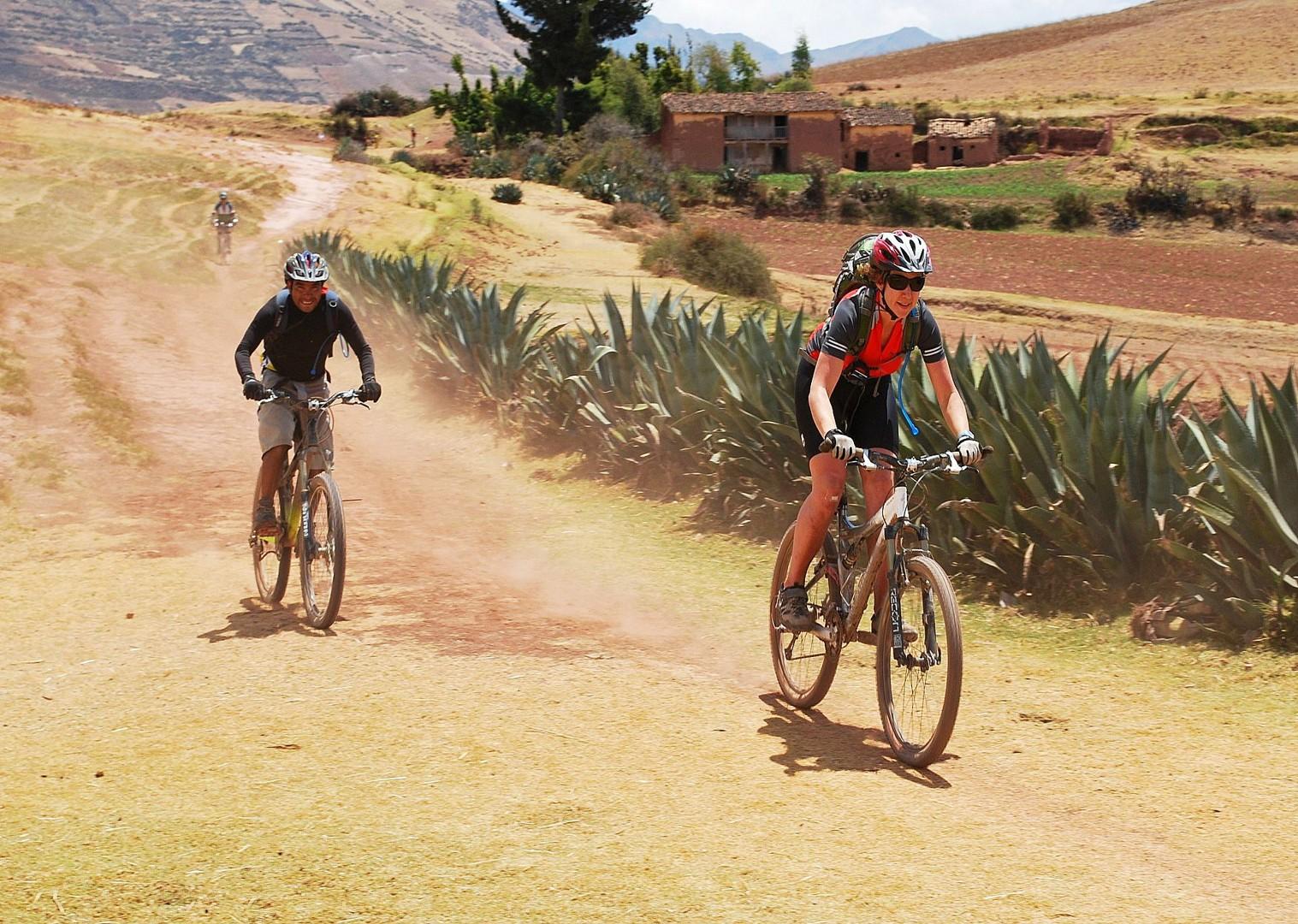 BAS Bike asalt.jpg - Peru - Sacred Singletrack - Mountain Biking