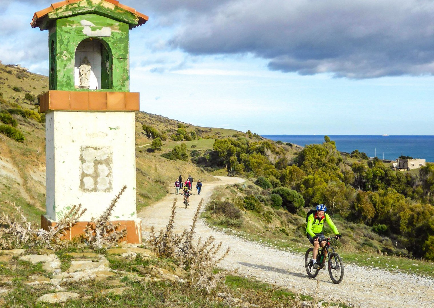 mountain-biking-in-spain-with-saddle-skedaddle-guided-tour-by-bike.jpg - Spain - Trans Andaluz - Guided Mountain Bike Holiday - Mountain Biking