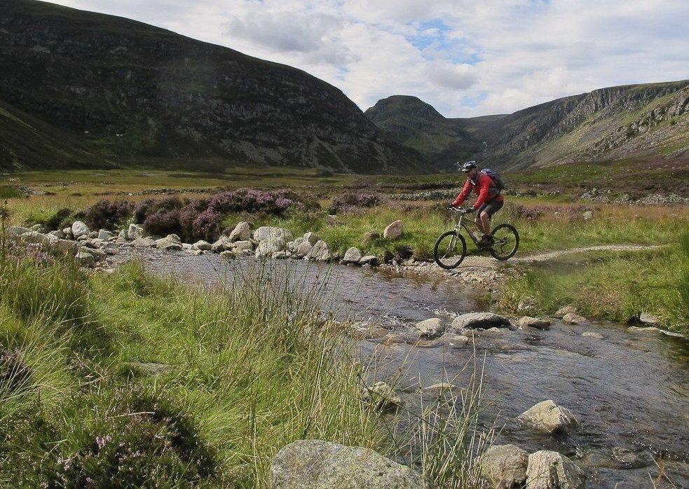 caledonian-canal-highlands-biking-holiday.jpg - Scotland - Highlands Coast to Coast - Mountain Biking