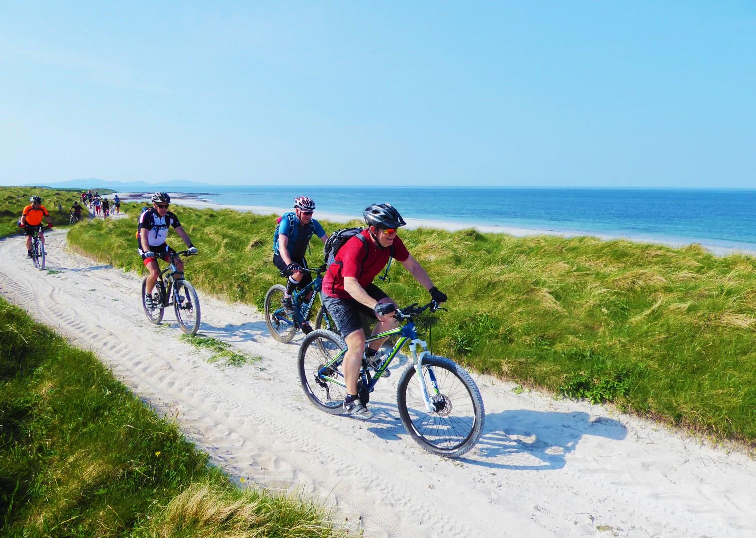 flat-coastal-routes-group-mtb-trip-outer-hebrides-scotland.jpg - Scotland - Hebridean Explorer - Guided Mountain Bike Holiday - Mountain Biking