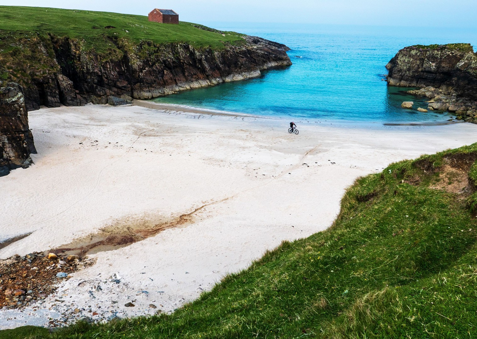 white-sand-beach-routes-cycling-holiday-in-outer-hebrides-scotland.jpg - Scotland - Hebridean Explorer - Guided Mountain Bike Holiday - Mountain Biking
