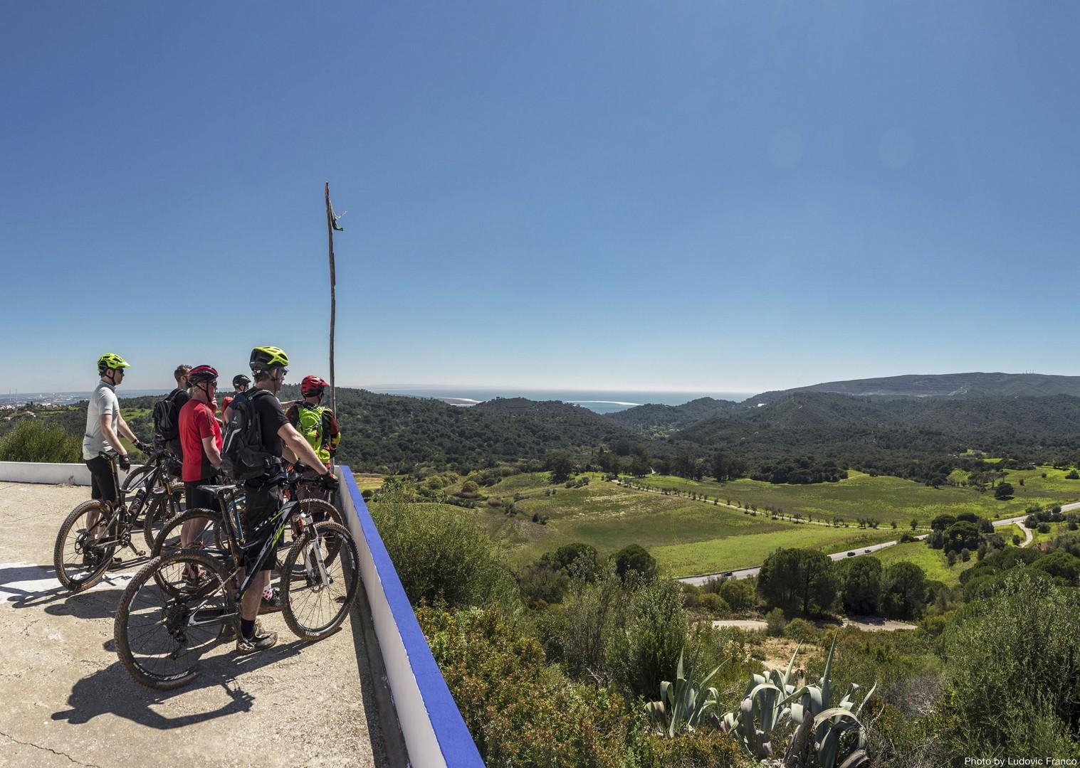 scenic-group-guided-mtb-cycling-holiday-serra-de-grandola.jpg - Portugal - Atlantic Trails - Mountain Biking