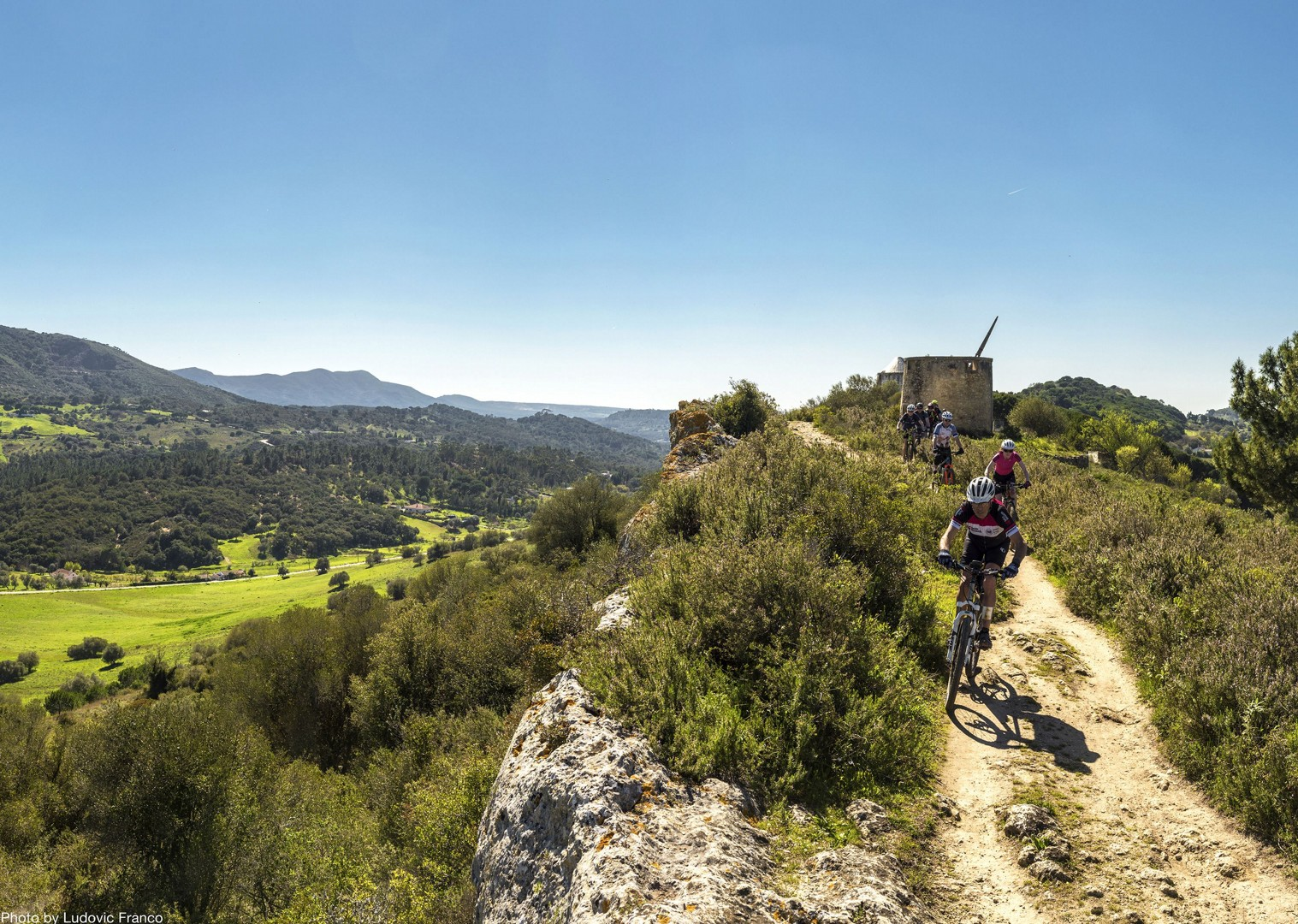 group-singletrack-exploration-cycling-holiday-on-atlantic-coast-portugal.jpg - Portugal - Atlantic Trails - Mountain Biking