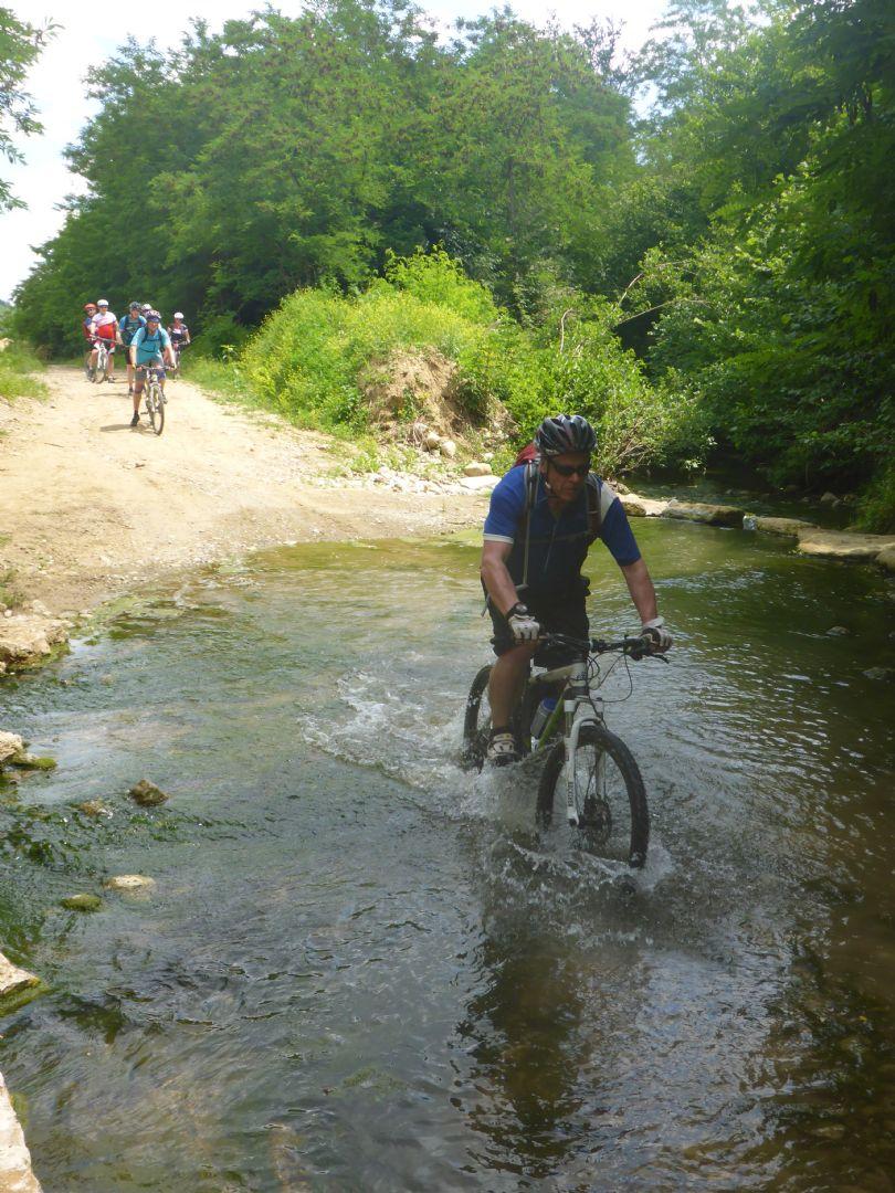 P1010569.JPG - Italy - Tuscany - Sacred Routes - Guided Mountain Bike Holiday - Mountain Biking
