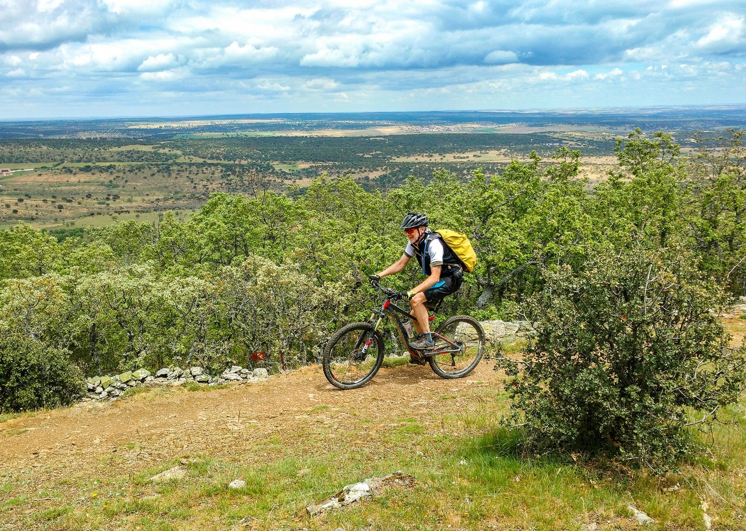 saddle-skedaddle-spanish-mountain-bike-holidays-guided-trip.jpg - Spain - Ruta de la Plata - Guided Mountain Bike Holiday - Mountain Biking