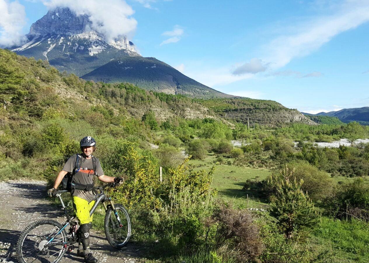 IMG-20160512-WA0029.jpg - Spain - Pyrenees Enduro - Guided Mountain Bike Holiday - Mountain Biking