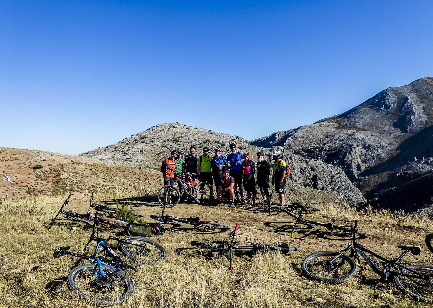 mountain-biking-make-friends-on-guided-tour-spain-group.jpg - Spain - Awesome Andalucia - Guided Mountain Bike Holiday - Mountain Biking