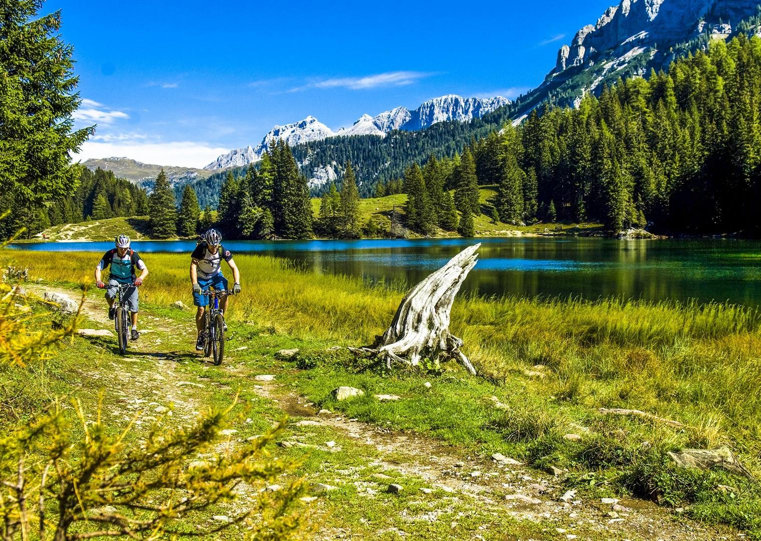 Brenta_Bike_2007_109-2.jpg - Italy - Dolomites of Brenta - Guided Mountain Bike Holiday - Mountain Biking