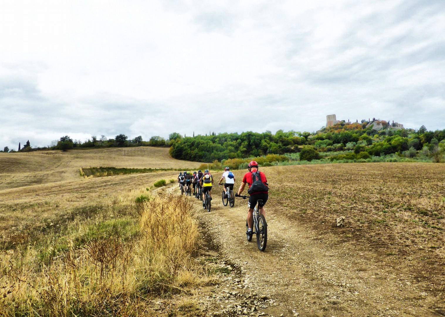 Foto 11-09-17, 10 53 50.jpg - Italy - Via Francigena (Tuscany to Rome) - Guided Mountain Biking Holiday - Mountain Biking
