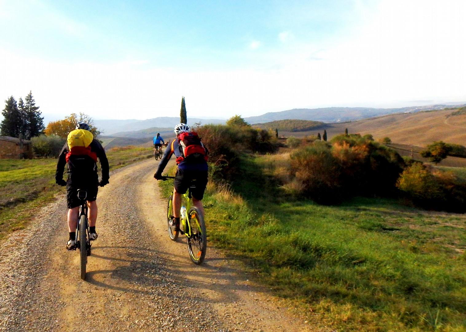 PB090041a.JPG - Italy - Via Francigena (Tuscany to Rome) - Guided Mountain Biking Holiday - Mountain Biking