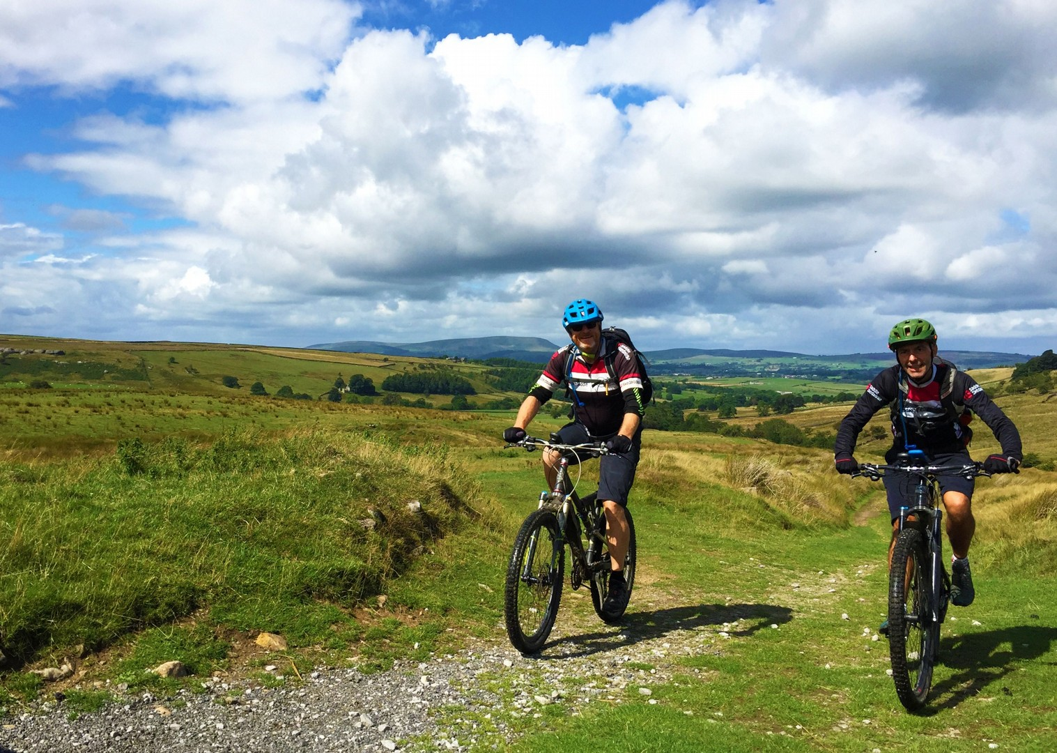 long-lane-track-mtb-mountain-biking-pennine-bridleway.JPG - UK - Pennine Bridleway - Guided Mountain Bike Weekend - Mountain Biking