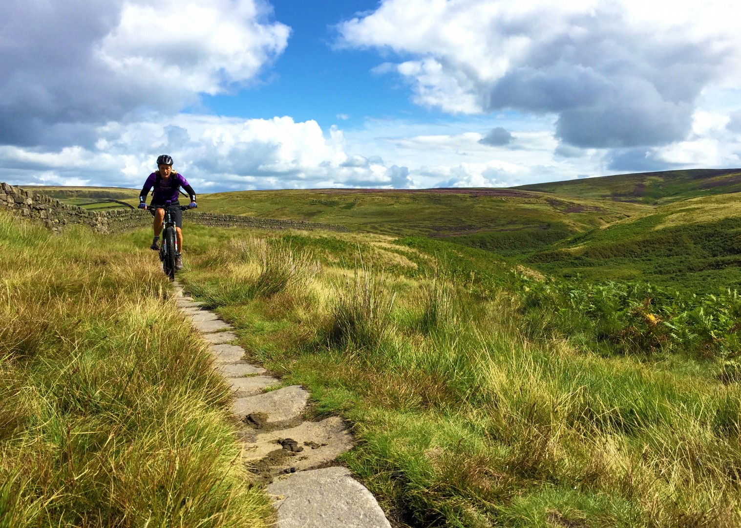 ingleborough-mtb-mountain-biking-pennine-bridleway-skedaddle.JPG - UK - Pennine Bridleway - Guided Mountain Bike Weekend - Mountain Biking