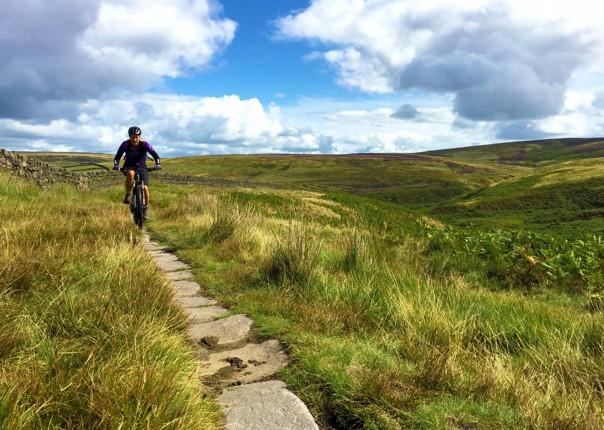 ingleborough-mtb-mountain-biking-pennine-bridleway-skedaddle.JPG