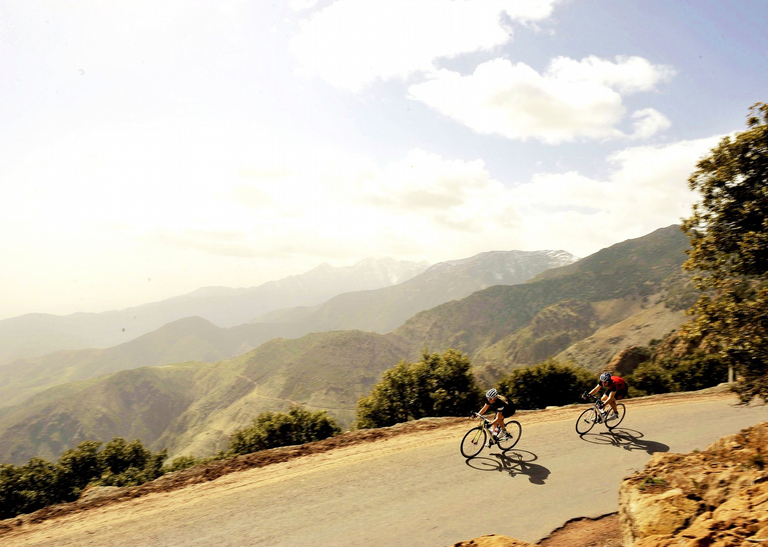 snow-tipped-peaks-mountain-morocco-road-cycling.jpg - Morocco - Road Atlas - Road Cycling