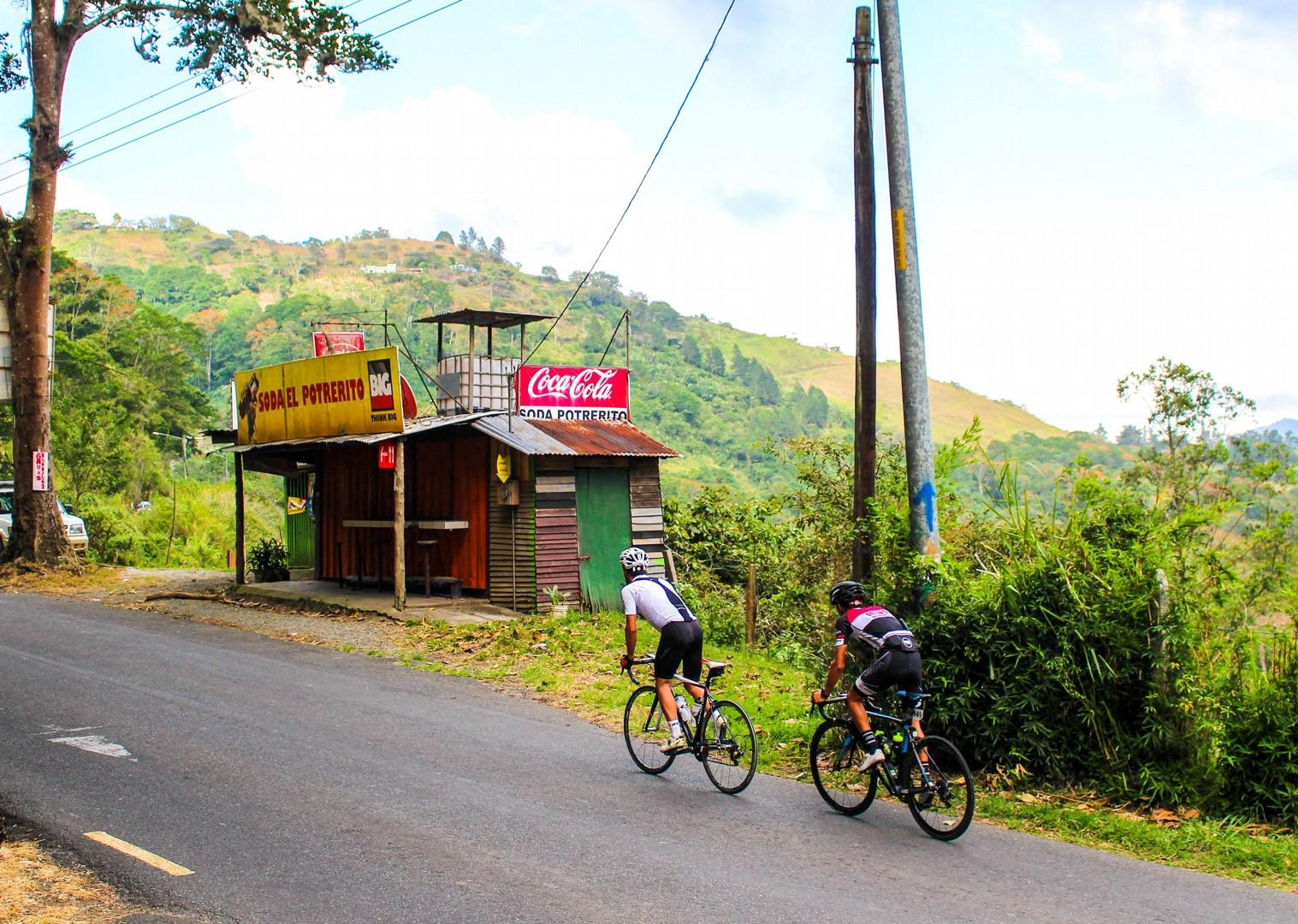 IMG_5704.jpg - Costa Rica - Ruta de los Volcanes - Road Cycling