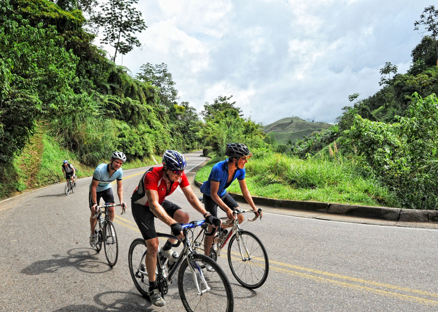 guided-road-cycling-holiday-emerald-mountains-colombia.jpg - Colombia - Emerald Mountains - Road Cycling