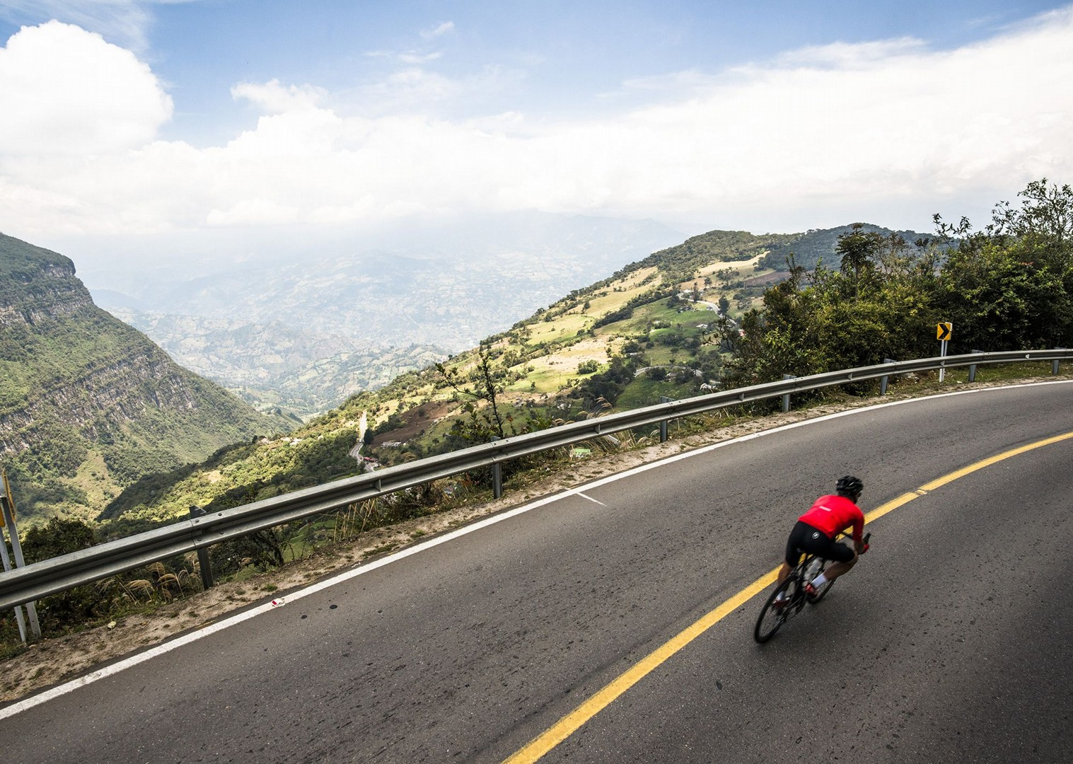 day_1_009.jpg - Colombia - Emerald Mountains - Road Cycling