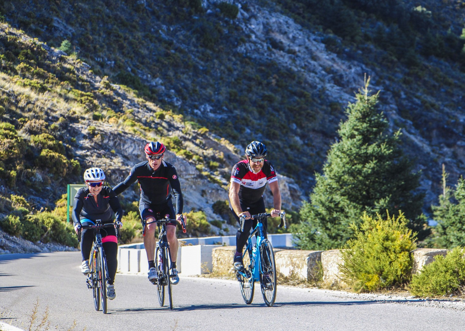 guided-road-cycling-adventure-roads-of-ronda-friendly-atmosphere-group.jpg - Southern Spain - Roads of Ronda - Guided Road Cycling Holiday - Road Cycling