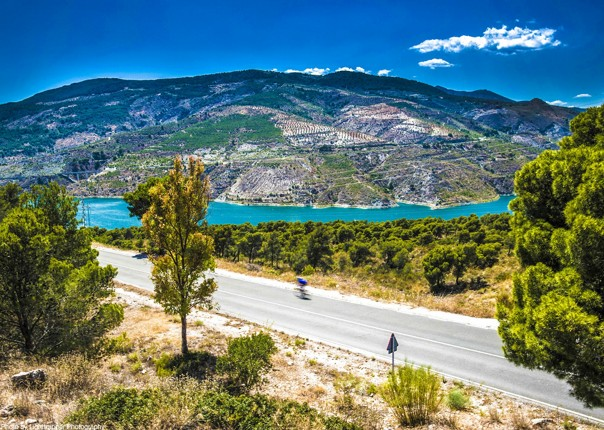 stunning-limestone-mountains-andalucia-road-cycling.jpg