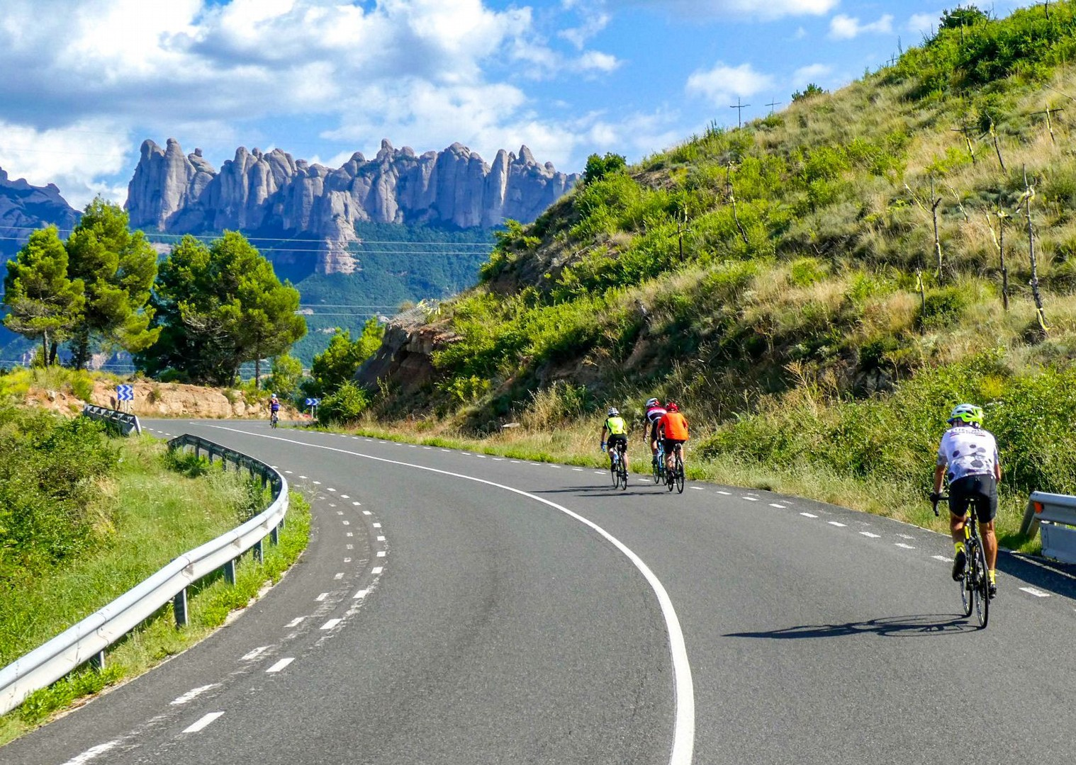 northern-spain-guided-road-cycling-holiday-bilbao-to-barcelona.jpg - Northern Spain - Bilbao to Barcelona - Guided Road Cycling Holiday - Road Cycling