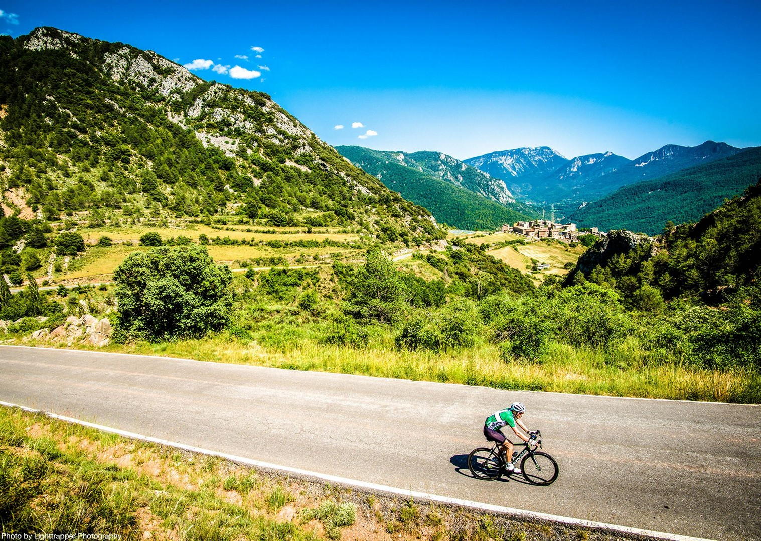 mountains-in-spanish-pyrenees-coast-to-coast-holiday-road-cycling.jpg - NEW! Spain - Spanish Pyrenees Coast to Coast - Road Cycling