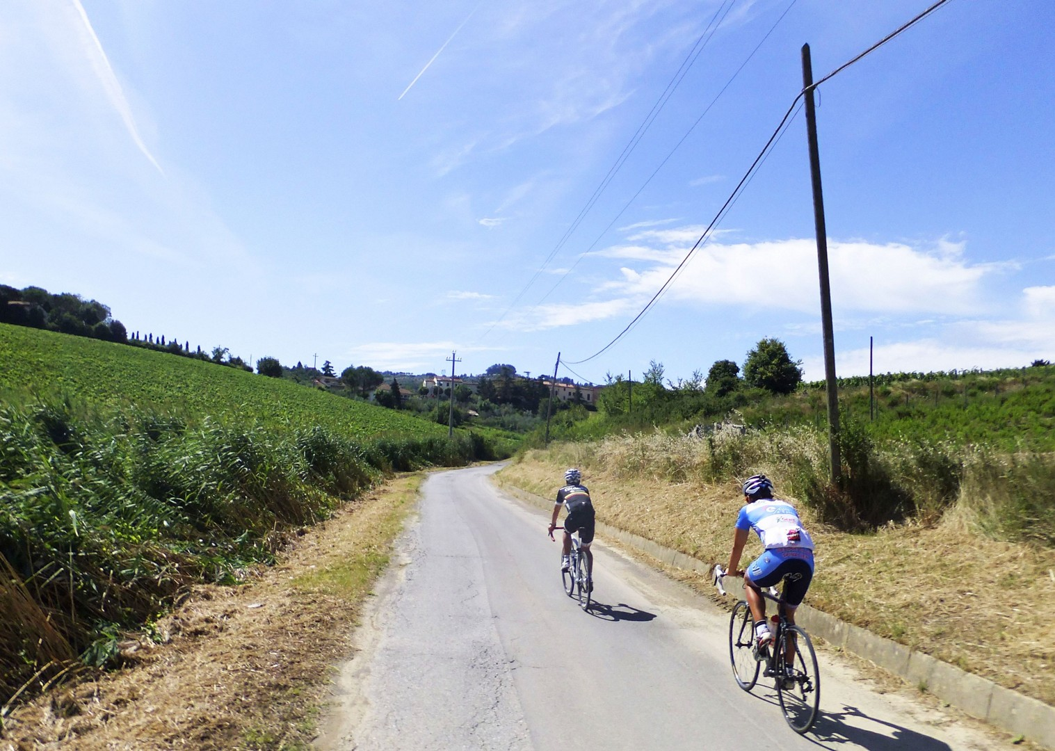 gavi-guided-road-cycling-holiday-italy-piemonte-la-strada-del-vino.jpg - Italy - Piemonte - La Strada del Vino - Guided Road Cycling Holiday - Road Cycling