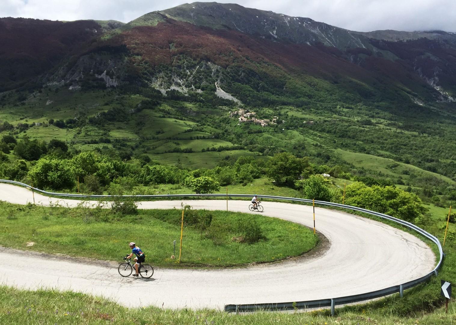 guided-road-cycling-holiday-italy-abruzzo-appennini-dabruzzo.JPG - Italy - Abruzzo - Appennini d'Abruzzo - Guided Road Cycling Holiday - Road Cycling