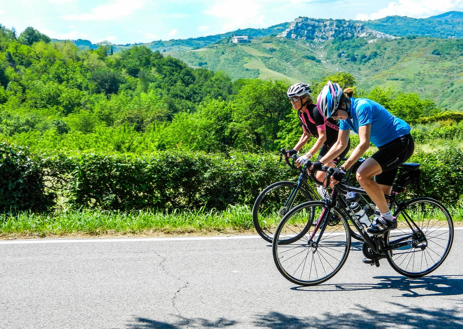 road-cycling-guided-with-group-italy-saddle-skedaddle.jpg - NEW! Italy - Coast to Coast - L'Adriatico al Tirreno - Road Cycling