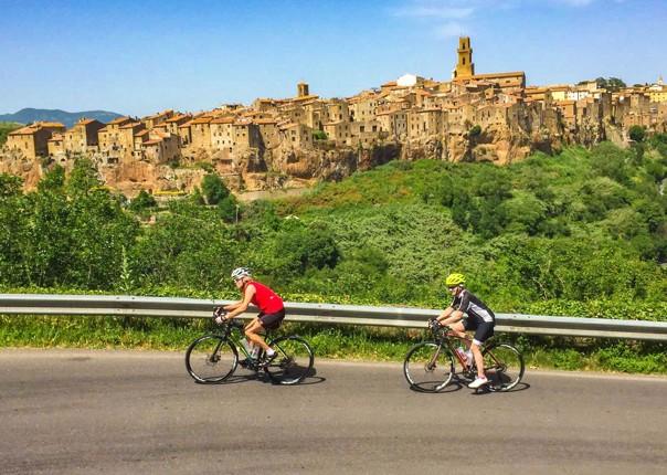 ladriatico-al-tirreno-bike-cycling-guided-road-with-saddle-skedaddle-tour.jpg