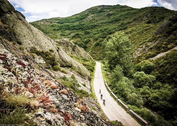 stunning-views-santiago-cantabrica-mountains-cycle-holiday.jpg