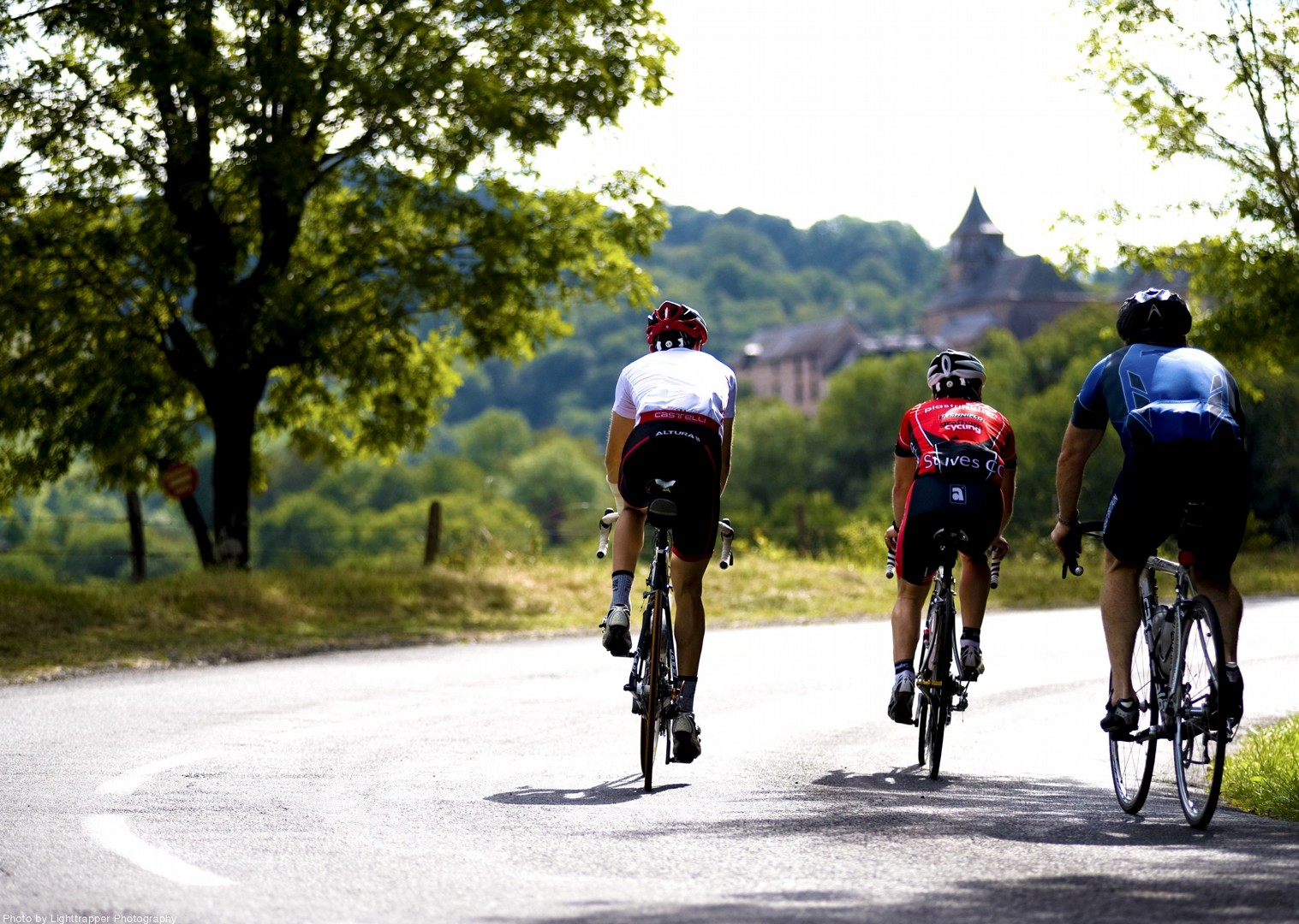 group-guided-road-bike-tour-france-vineyards.jpg - France - Alsace, Burgundy and Beaujolais - Guided Road Cycling Holiday - Road Cycling