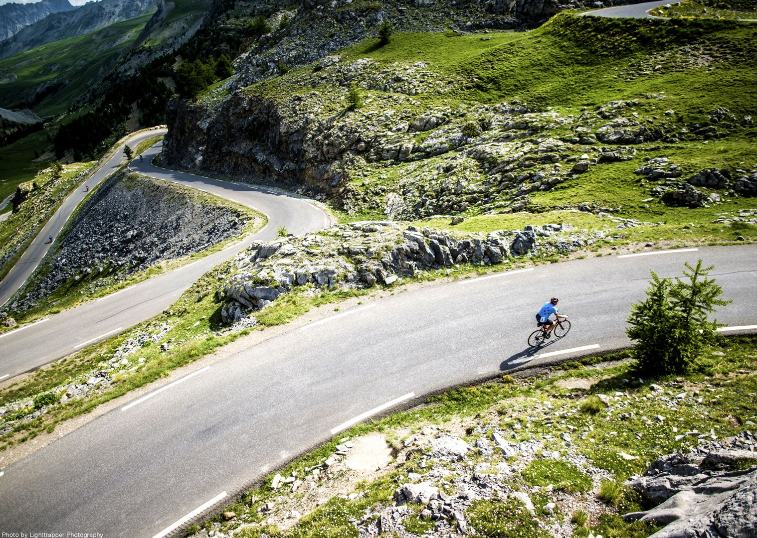 col-france-road-downhill-alpes-cycle.jpg - France - Provence - Alpes Maritimes - Guided Road Cycling Holiday - Road Cycling