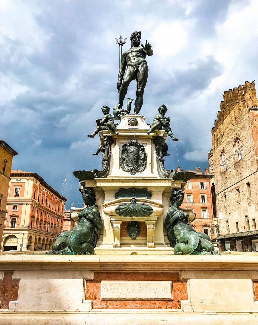 bologna-fountain-of-neptune-self-guided-cycling-holiday-saddle-skedaddle.jpg - Italy - Emilia Romagna - Self-Guided Leisure Cycling Holiday - Leisure Cycling