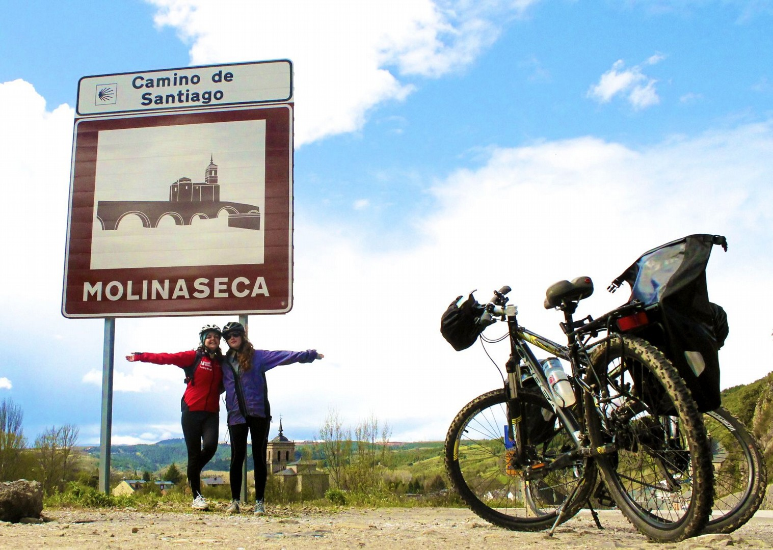 molinaseca-cycling-camino-de-santiago-northern-spain.jpg - Northern Spain - Camino de Santiago - Guided Leisure Cycling Holiday - Leisure Cycling