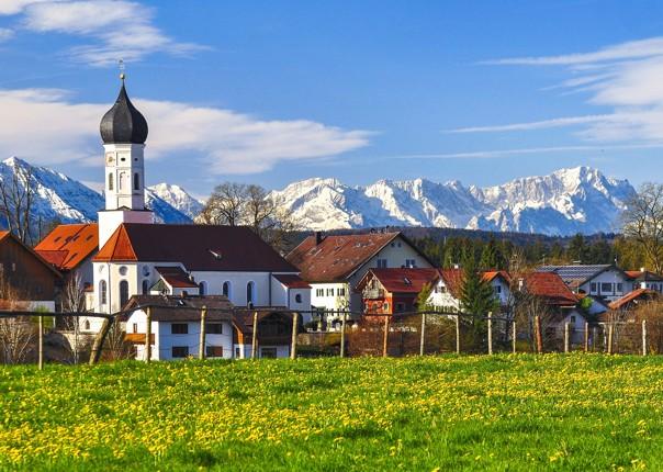 scenery-germany-village-alps-garmisch-partenkirchen-cycling-tour.jpg
