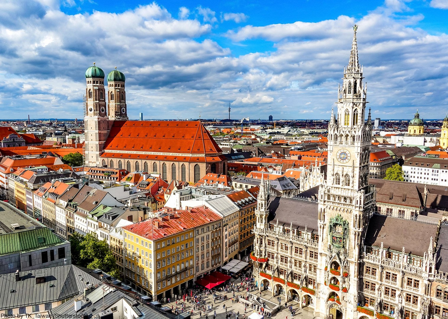 new-town-hall-munich-germany-bike-tour-holiday-self-guided.jpg - Germany - Bavarian Lakes - Self-Guided Leisure Cycling Holiday - Leisure Cycling