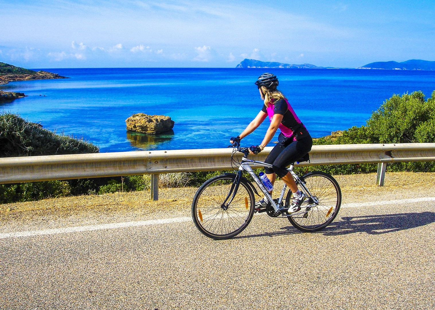 stunning-scenery-in-sardinia-italy-italian-island-guided-leisure-cycling.jpg - Italy - Sardinia - Island Flavours - Guided Leisure Cycling Holiday - Leisure Cycling