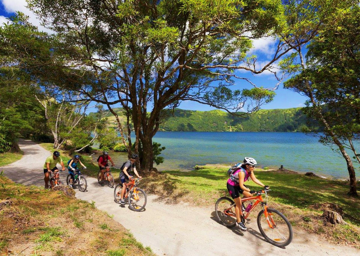 lake-of-sete-cidades-guided-leisure-cycling-trip.jpg - The Azores - Islands and Volcanoes - Guided Leisure Cycling Holiday - Leisure Cycling
