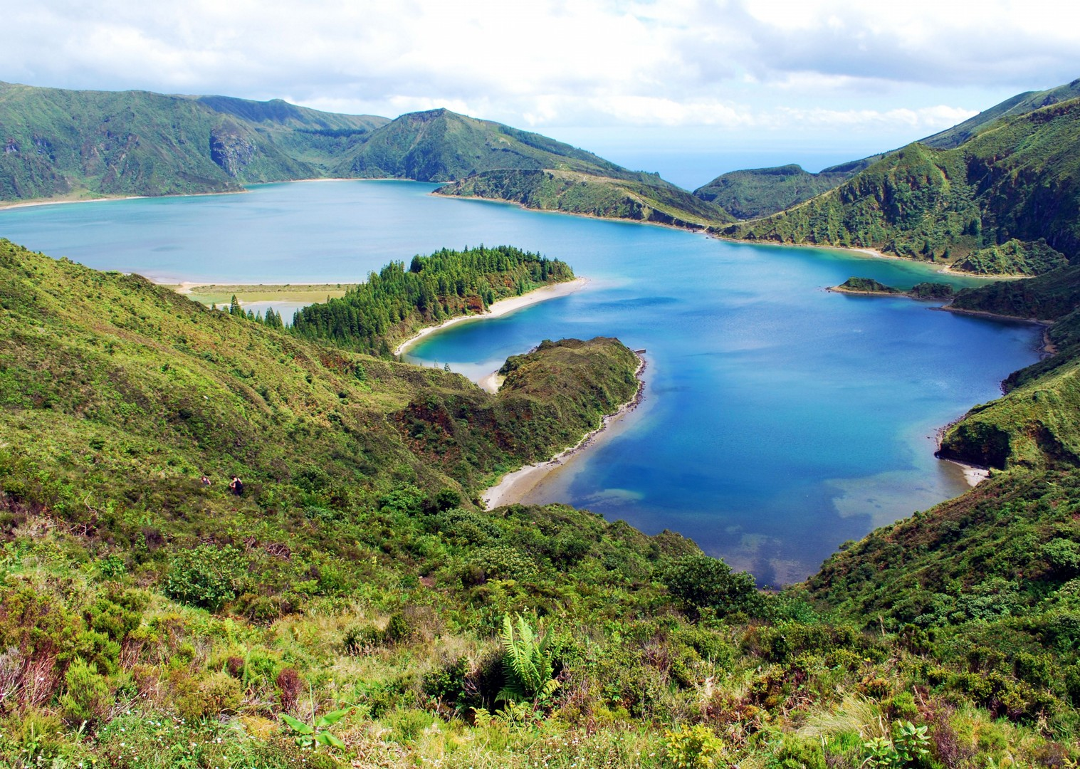 islands-and-volcanoes-self-guided-cycling-holiday.jpg - The Azores - Islands and Volcanoes - Self-Guided Leisure Cycling Holiday - Leisure Cycling