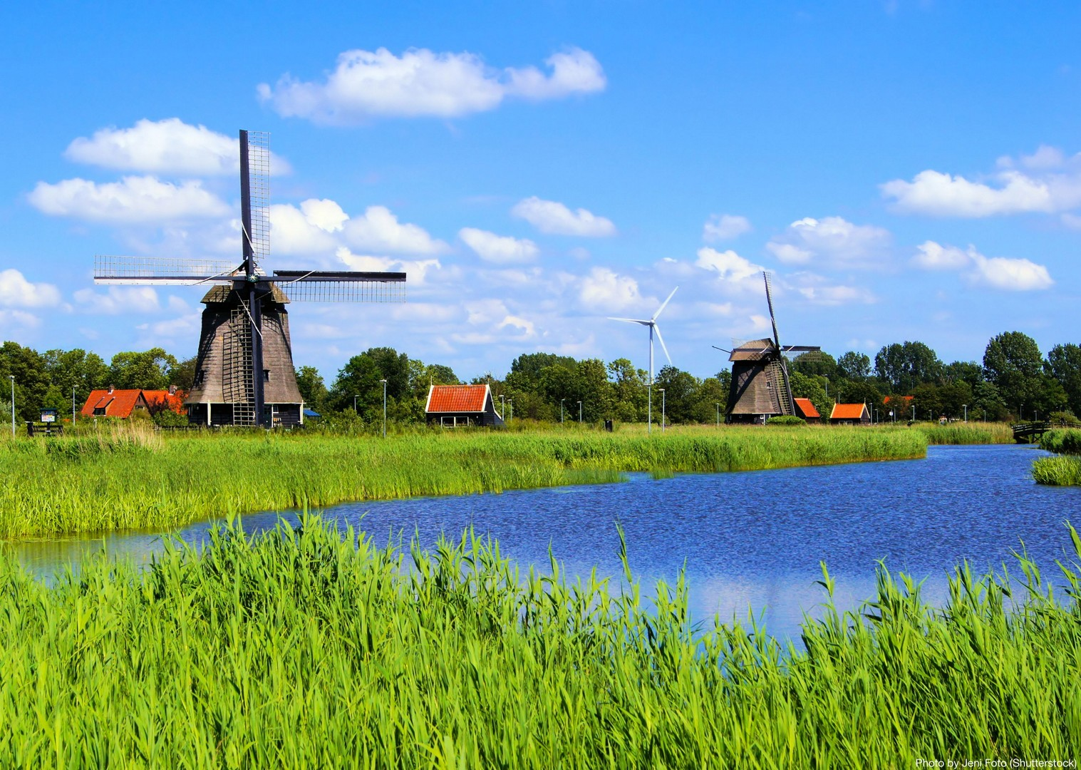 holland-windmills-and-golden-beaches-bike-and-barge-holiday.jpg - Holland - Windmills and Golden Beaches - Bike and Barge Holiday - Leisure Cycling
